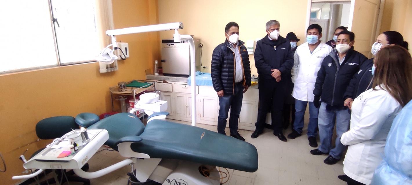 Gobernador de Tungurahua, Fernando Gavilanes. Visitas centros de salud de la Provincia para conocer necesidades más urgentes