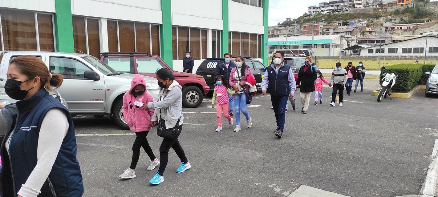 Ciento veinte niños de diferentes parroquias rurales de Ambato recibieron atención oftalmológica gratuita. Gestión de la Gobernación de Tungurahua con Embajada de Israel en Ecuador.